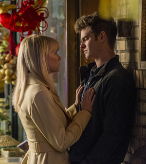 Gwen (Emma Stone) and Peter (Andrew Garfield)