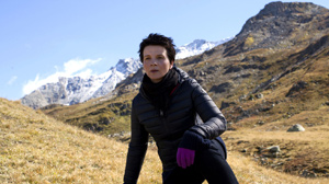 Binoche retreats to Switzerland