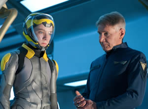 Ender (Asa Butterfield) and Graff (Harrison Ford)