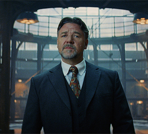 Dr. Jekyll (Russell Crowe)